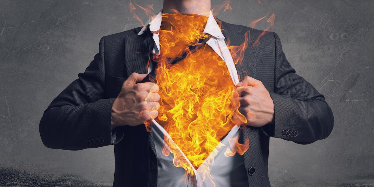 uomo fuoco intramundi