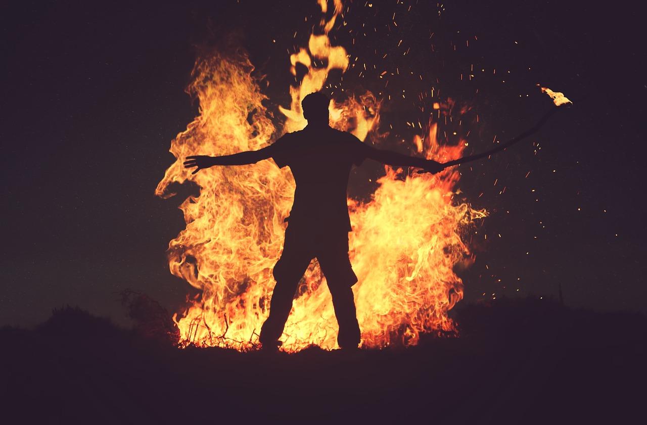 rituale fuoco intramundi